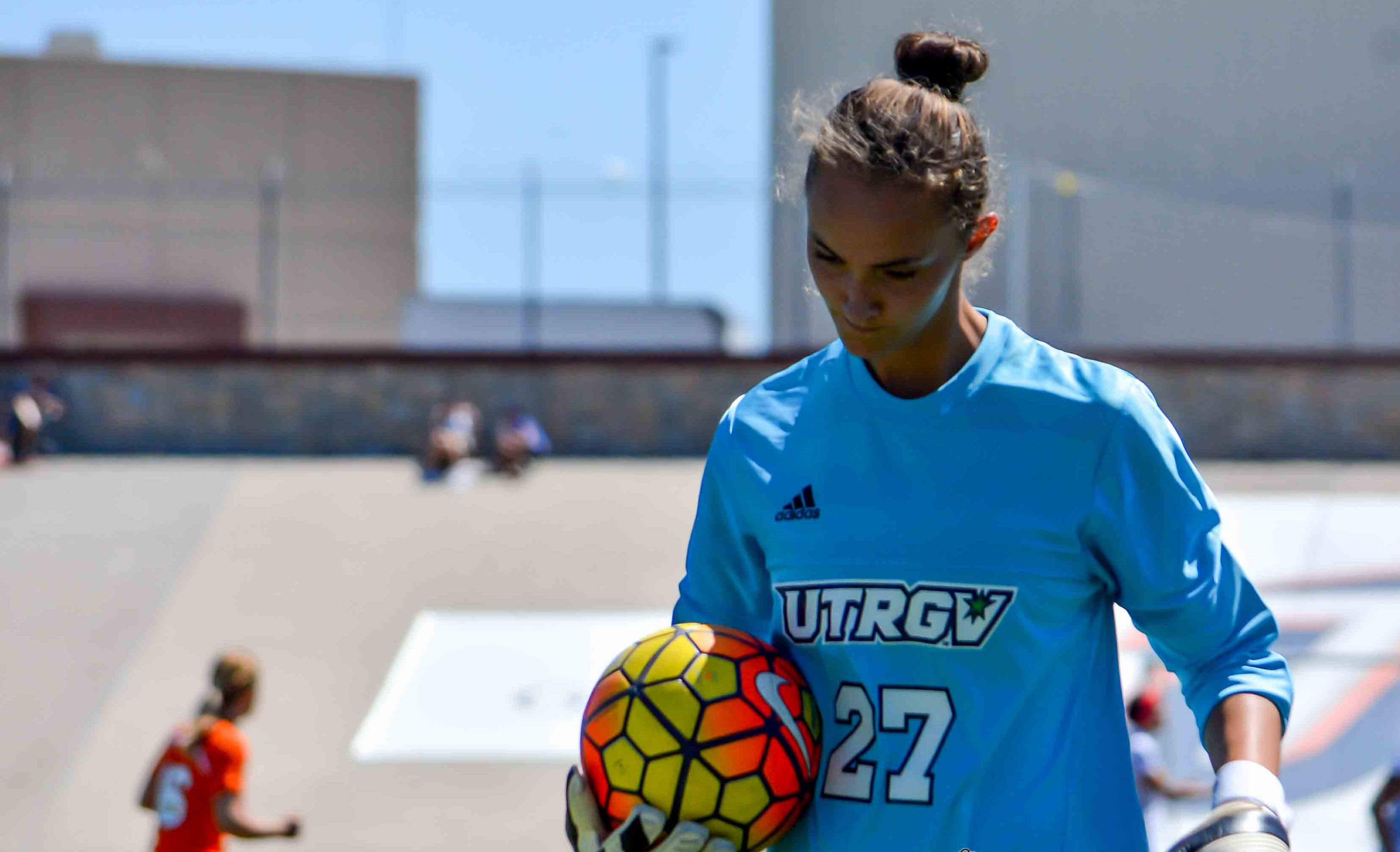 Kinga Szemik - UTRGV Goalkeeper